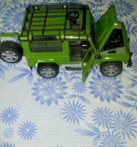 Внедорожник Land Rover. Джип немецкой фирмы Bruder