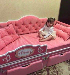 Кроватки и шкафы в детскую
