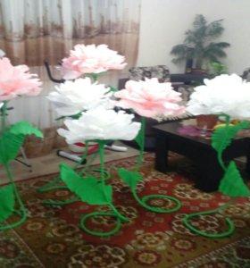 Изготовим ростовые цветы для праздника