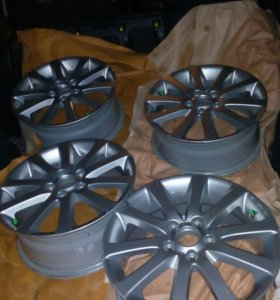 Литые диски R17,5*114.3,ET-60.