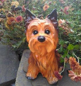 Копилки и садовые фигурки собак