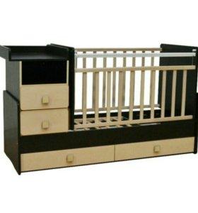 Детская кроватка с пелинальным столиком