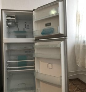 Продам холодильник Toshiba