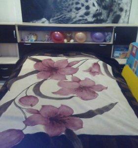 Двух спальная кровать с тумбами
