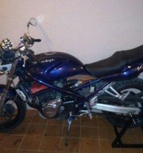 Мотоцикл Suzuki GSF250V