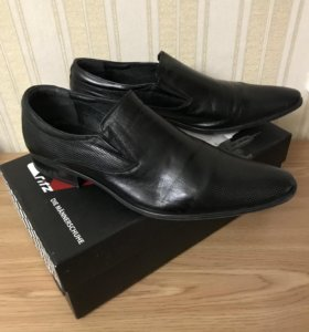 Туфли мужские модельные кожаные.