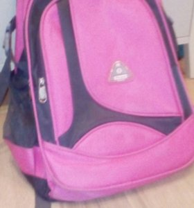 Рюкзак для девочки в школу