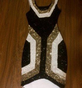 Платье Bebe xs