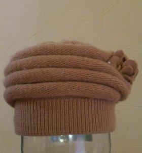 Женская вязанная шапка