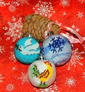 Оригинальные новогодние шары из бисера