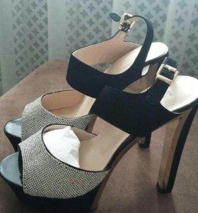 Туфли 39р-р новые