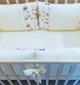Комплект бортиков в кроватку ручной работы