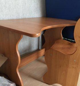 Продам столик со стульчиком