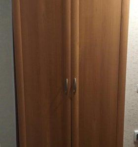Продам шкаф + тумбочка