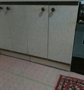 Газовая плита, тумбочки, шкафчик