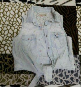 Продам джинсовый летний жилет