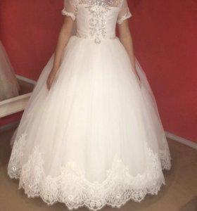 Платье на праздник или выпускной