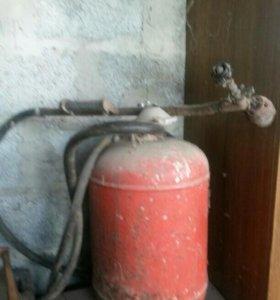 Газовый балон с горелкой