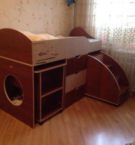 Кровать-чердак, вместе с матрасом,
