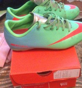 Бутсы Nike, в отличном состоянии.38 размер