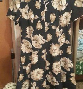 Платье новое изящное.