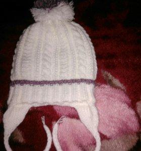 Вязанная шапочка на 0-6 месяцев ручная работа