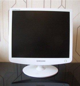 Монитор Samsung SyncMaster 732N