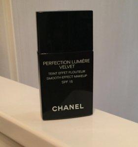 Тональная основа Chanel