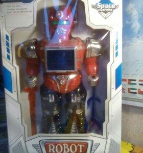 Робот 6+ новый.