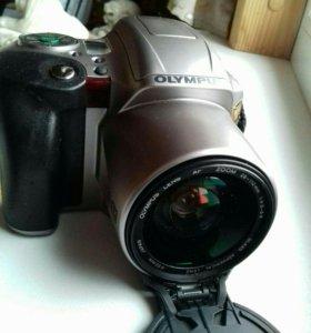 Фотокамера пленочная Олимпус.
