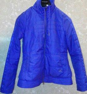 Синяя куртка адидас