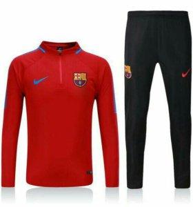 Тренировочный костюм Nike