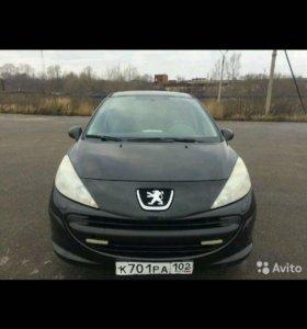 Peugeot 207. 2008. 1.4л 88л.с. 86000км