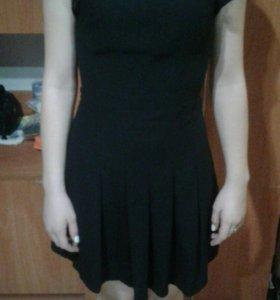 Маленькое черное платье р-р 40-42