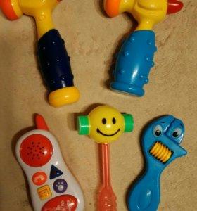 Музыкальные игрушки (молоток и телефон)
