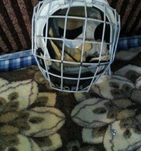 Продам шлем хоккейный