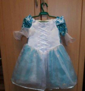 Новогоднее платье в отличном состоянии