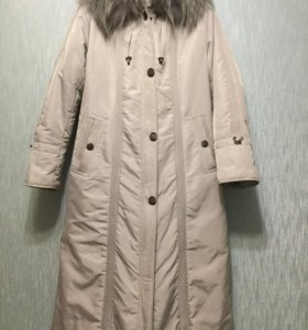Женское пальто с поясом ,не подошло по размеру.