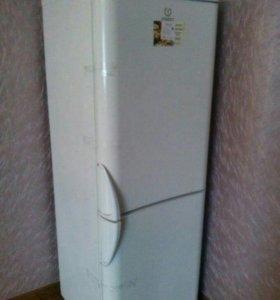 Продам холодильник на запчати