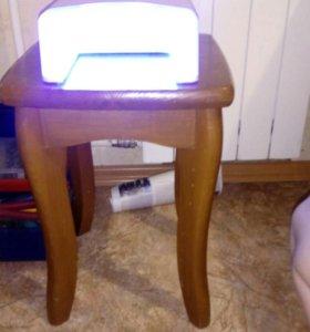 Лампа для маникюра .