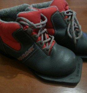Ботинки лыжные детские