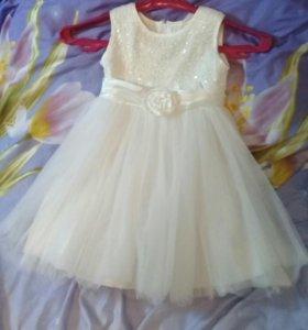 Платье от 2.5 до 4.5 лет.+ подарок