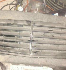 Решетка радиатора Mercedes c