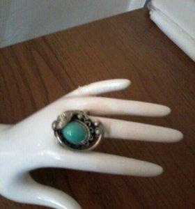Кольца женские натур.камень по 350р. каждое.