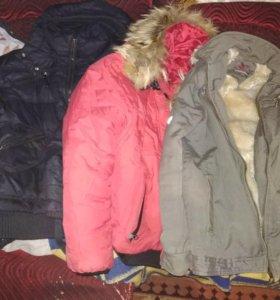 Куртки и штаны детские.