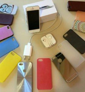 iPhone 5 16 Gb белый,комплект+13 чехлов в подарок