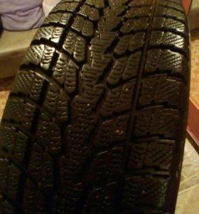 Зимние шины TOYO 215/60 r17.