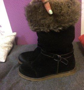 Зимняя обувь. Немного потёрты. Замшевые с мехом.