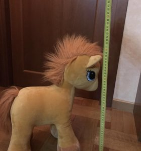 Пони -мягкая игрушка.