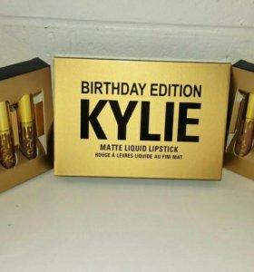 Набор помад Kylie с подарком корректоры MAC